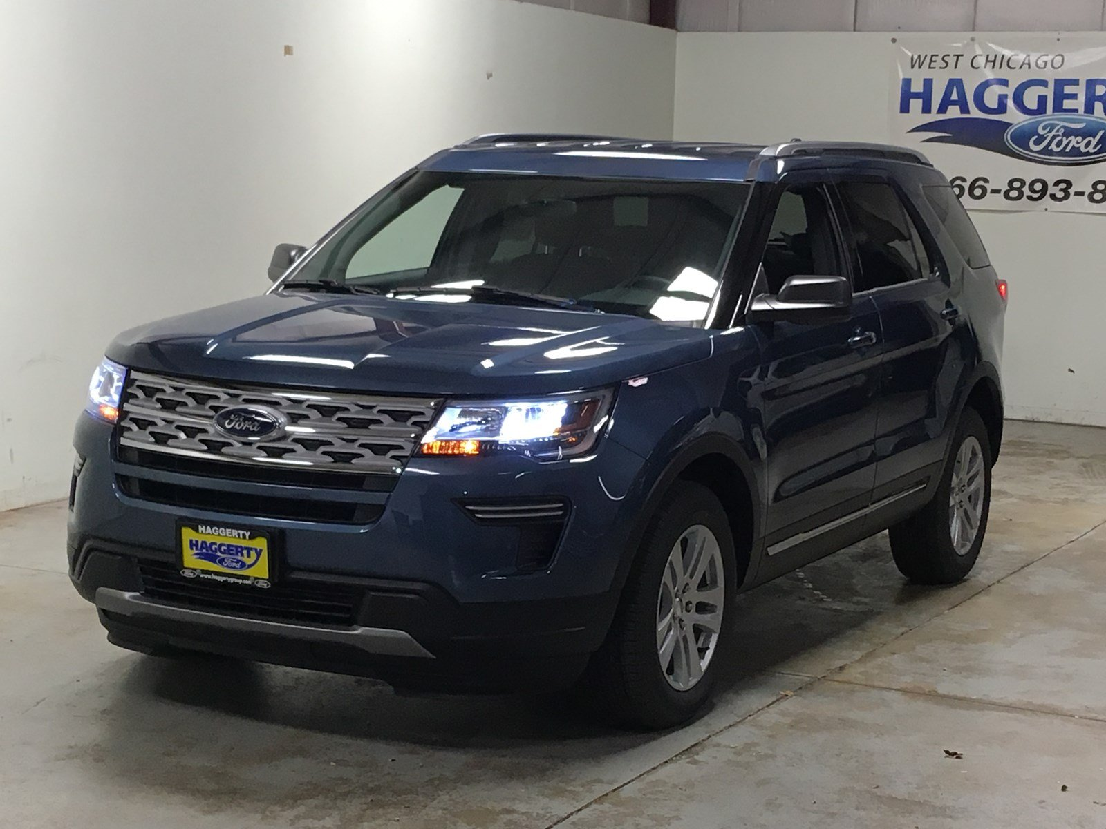 New 2019 Ford Explorer XLT SUV in West Chicago