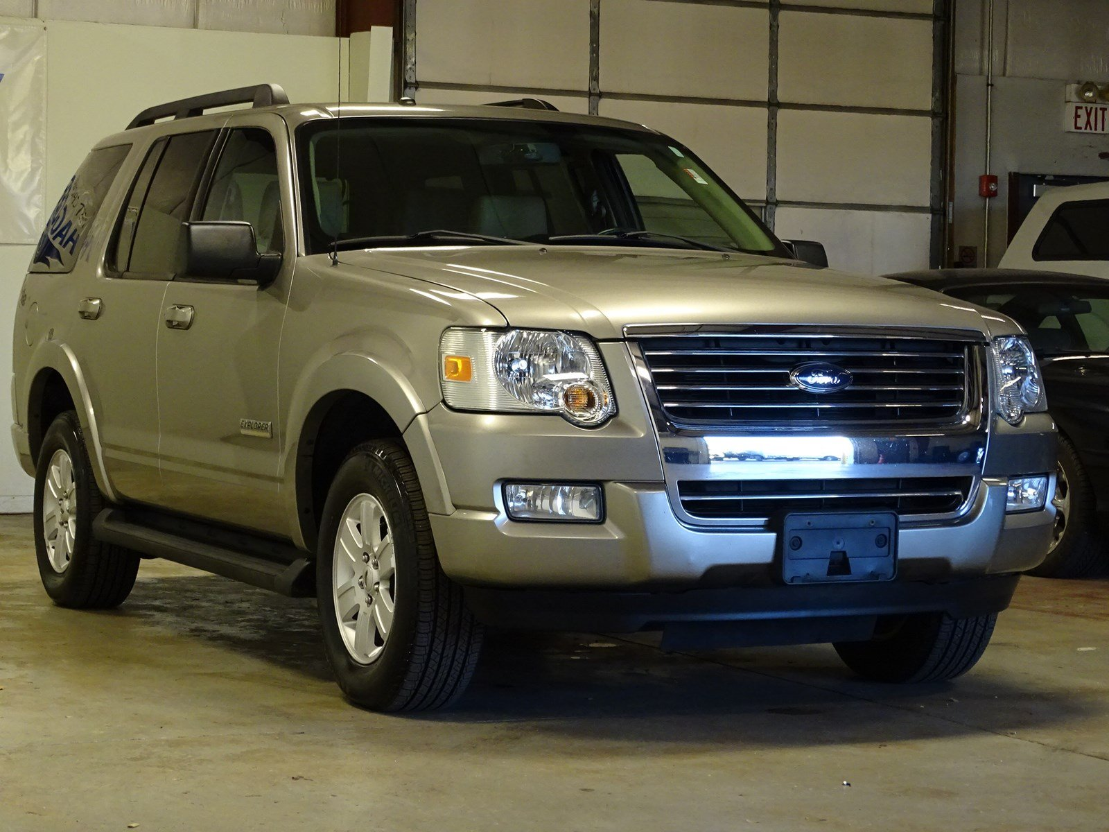 Pre owned 2008 ford explorer xlt