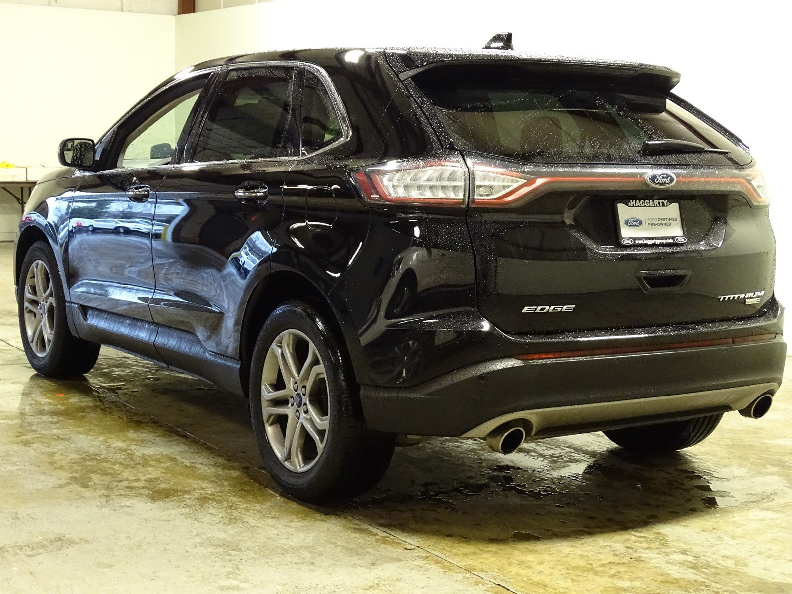 Certified Pre-Owned 2018 Ford Edge Titanium AWD 301A