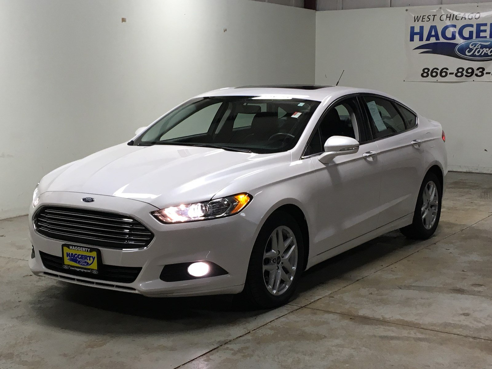 Pre owned 2016 ford fusion se 202a